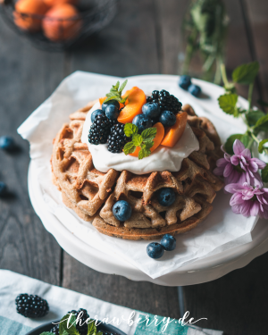 waffles, healthy, food, dessert, breakfast, Sunday mood, fit food, vegan, gluten-free, easy, recipe, dairy free, sugar free, loose weight, happy food,