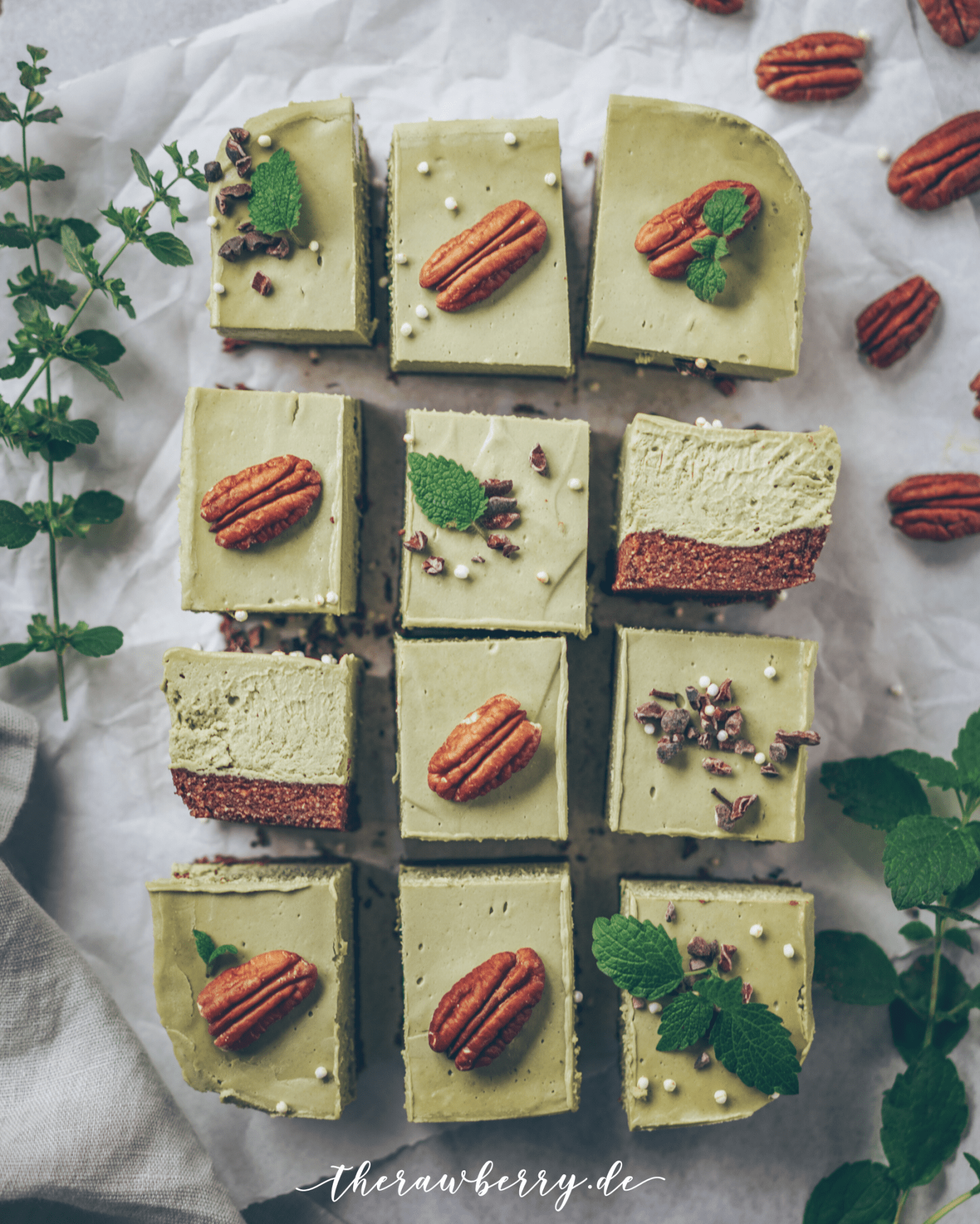 matcha, vegan, raw, glutenfree, roh, rohvegan, glutenfree, glutenfrei, lecker, delicious, healthy, diet, dessert, Nachtisch, grün, green, easy, einfach, wholesome, vollwertkost, Diät, köstlich, Rezept, reicpe