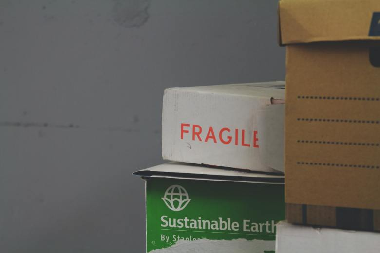 Fragile and sustainable boxes