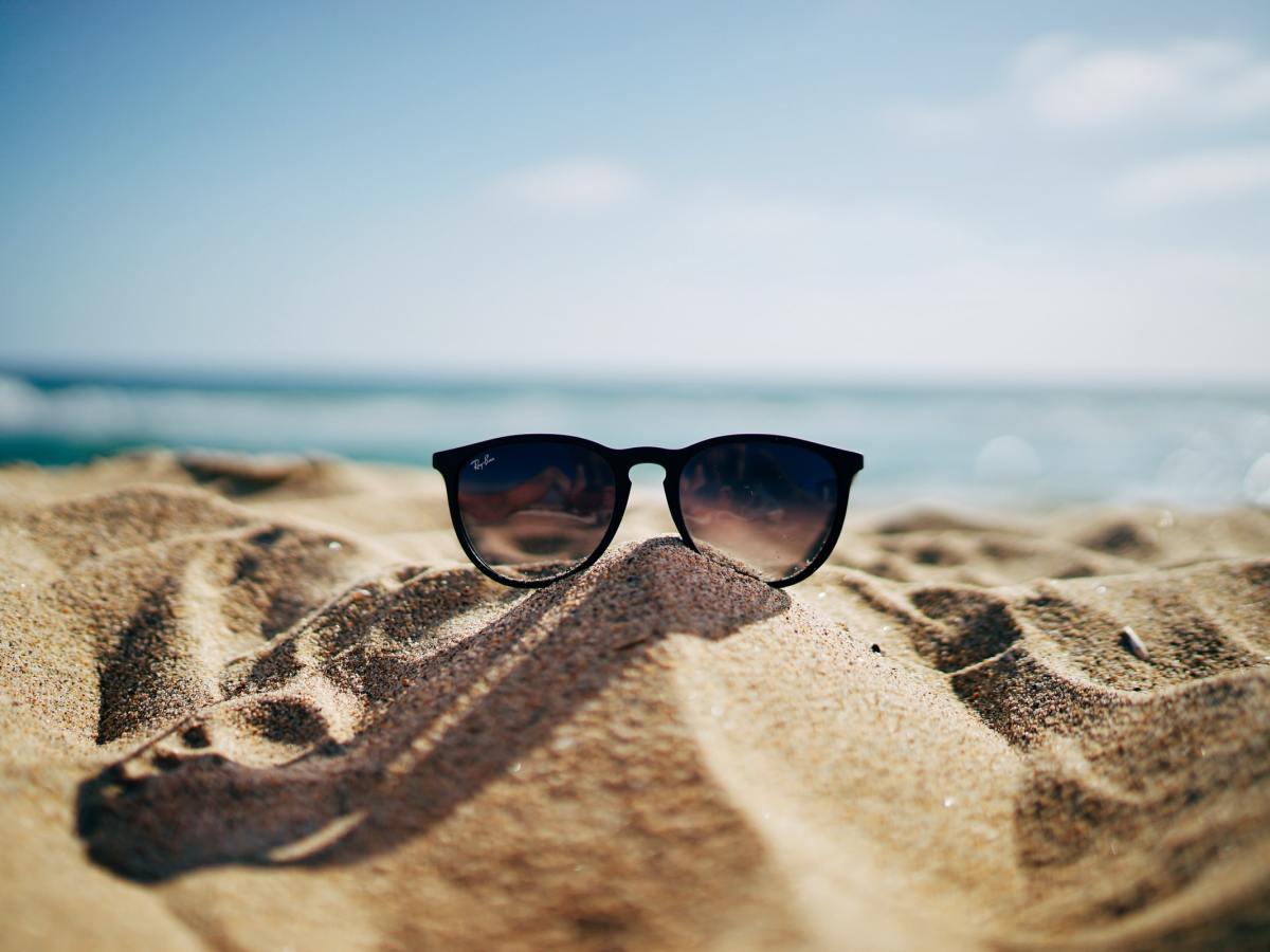 BEACH SUNGLASSES L