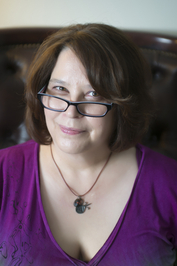 author Roxanne Carson at home