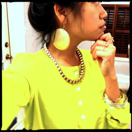 OOTD, Neon Yellow Shirt, JewelMint XO Rings, Vintage Gold Bangles