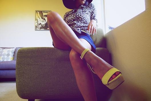 Body Chain, Zara Yellow Shoes, Hawaii Street Style, ETSIS Hats