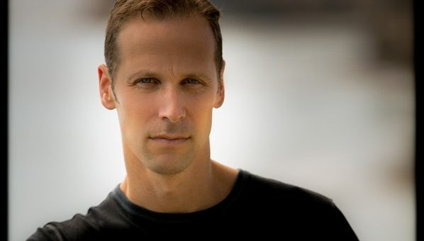 Gregg Hurwitz author photo