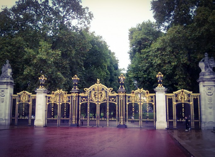Canada Gate entrance to Green Park, London
