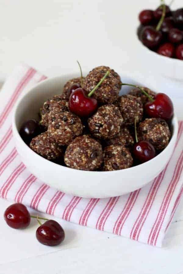 Dark Chocolate Cherry Energy Bites from therealfoodrds.com. I was looking for no bake vegan Paleo energy bites and these look sooo good! They are also gluten free and packed with protein. I can't wait to make these for a quick and easy healthy snack! Collected on FoodKollective.com