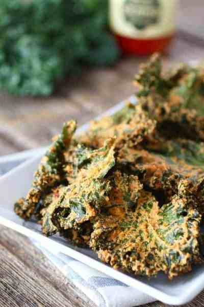 Pizza Kale Chips | 30 Whole30 Appetizers | healthy appetizer recipes | whole30 approved appetizers | gluten-free appetizers | easy healthy appetizers || The Real Food Dietitians #whole30appetizers #whole30recipes #healthyappetizers
