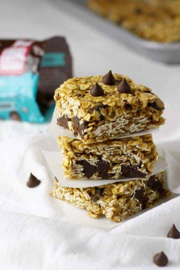 5 Ingredient Peanut Butter Granola Bars | healthy granola bar recipes | gluten free granola bar recipes | dairy free granola bar recipes | gluten free snack recipes | kid-friendly gluten free recipes | homemade granola bar recipes | easy snack recipes for kids | healthy snack recipes || The Real Food Dietitians
