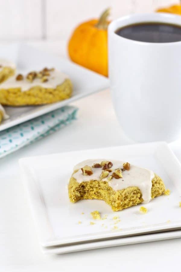 Gluten-Free Pumpkin Spice Scones | gluten free pumpkin recipes | gluten free breakfast recipes | how to make a homemade scone | homemade scone recipes | gluten free fall recipes | gluten free dessert recipes | gluten free scone recipe | gluten free recipe ideas || The Real Food Dietitians