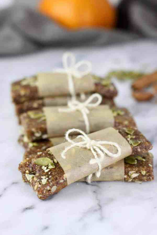 Pumpkin Spice Protein Bars | easy no-bake recipes | healthy snack recipes | healthy protein bar recipes | homemade protein bars | how to make a protein bar | healthy fall recipes | healthy fall snacks | gluten free snack recipes | gluten free fall snacks | gluten free pumpkin recipes | paleo snack recipes | paleo pumpkin recipes | dairy free snack recipes || The Real Food Dietitians