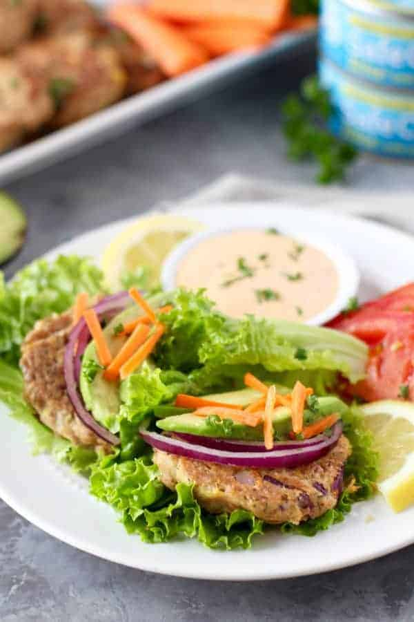 Easy Tuna Cakes with Roasted Red Pepper Mayo | http://therealfoodrds.com/easy-tuna-cakes/