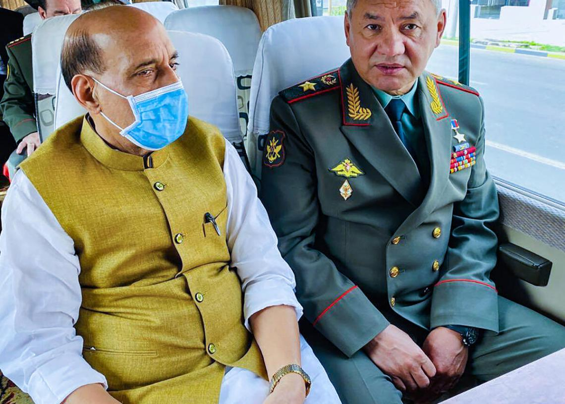 Rajnath holds bilateral talks with his Belarusian counterpart in Dushanbe