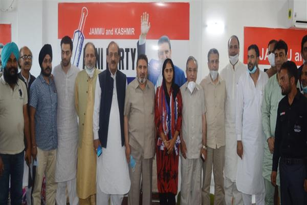 DDC Member Rafiabad territorial constituency of Baramulla district Parmeet Kaur joined Apni Party