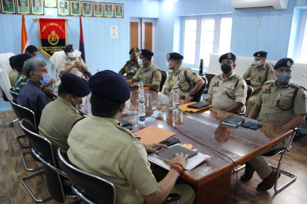 DGP visits North, South Kashmir; reviews security scenario