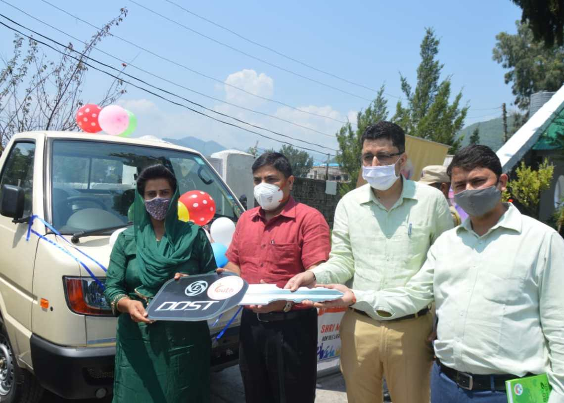 DC Poonch hands over keys of commercial vehicles to Mumkin Scheme beneficiaries