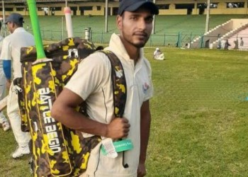 Pride of kashmir   Nayeem Ahmad Mallah a physically challenged shawl seller from Budgamselected for international cricket