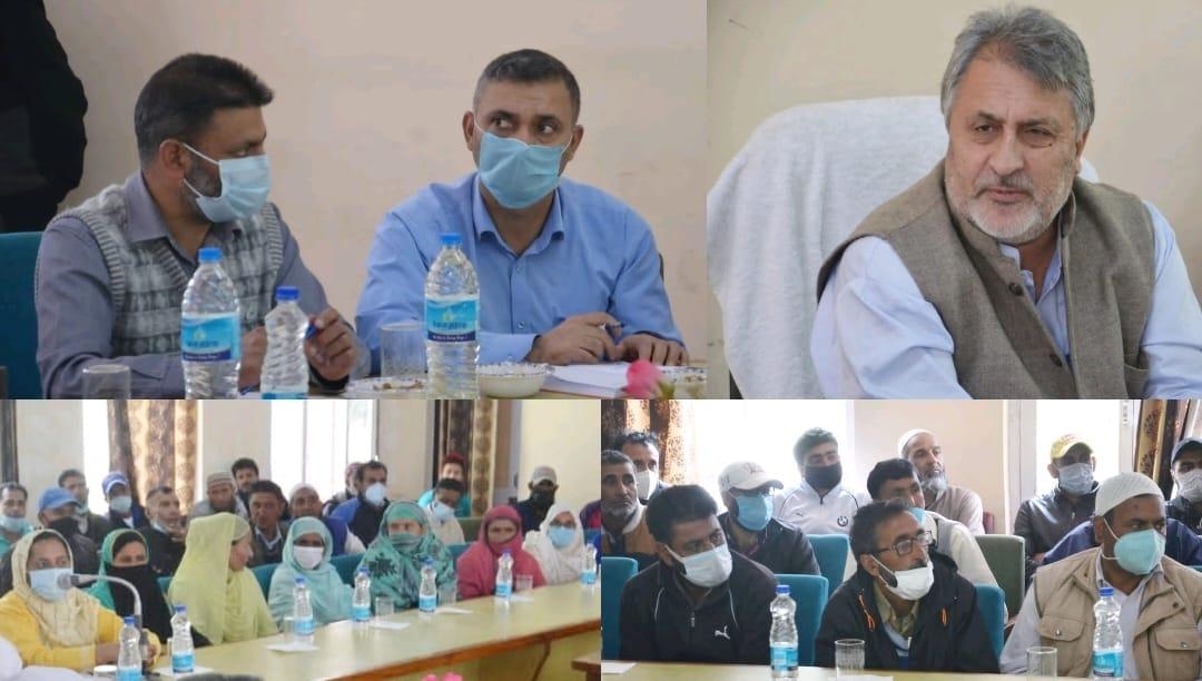 Dr Asgar Samoon holds public interaction programme in Gurez