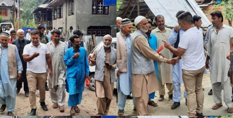 PDP stalwart Sofi irfan condoles demise of brother of Ab Rehman Dar visits bereaved family at Pahaldaji Magam Handwara