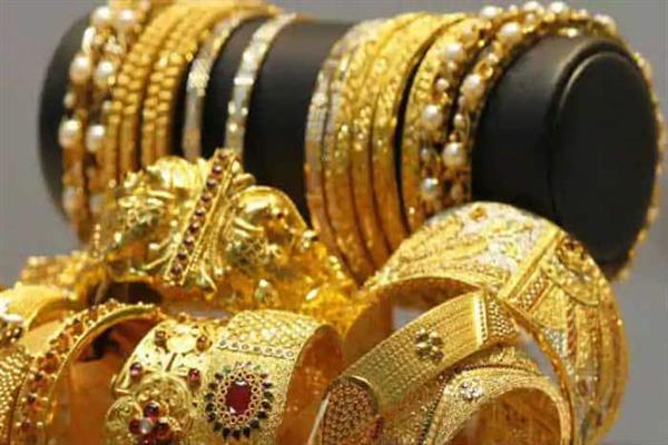 Gold tumbles Rs 312; silver plunges Rs 1,037