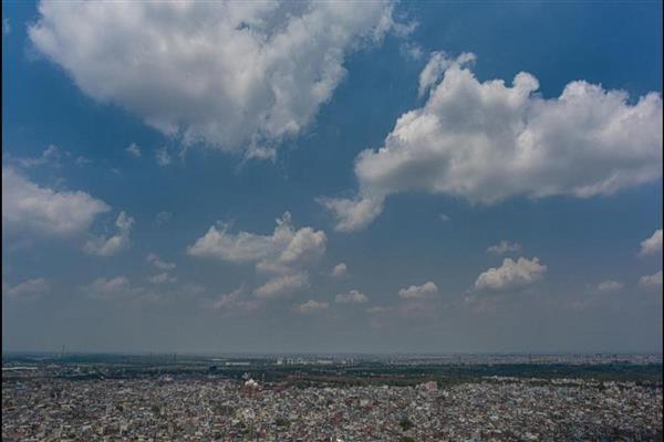 Delhi records minimum temperature of 27.3 degrees Celsius