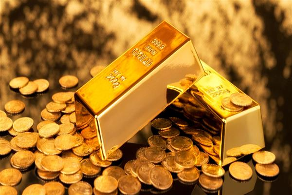 Gold tumbles Rs 100; silver tanks Rs 134