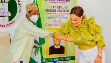 Photo of Christian pilgrimage boss throws 'ambassador' Tonto Dikeh under the bus