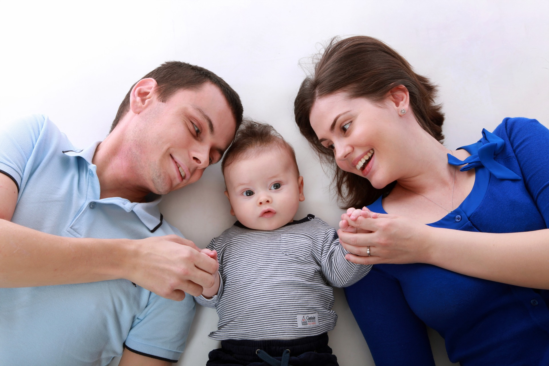 family-1613592_1920