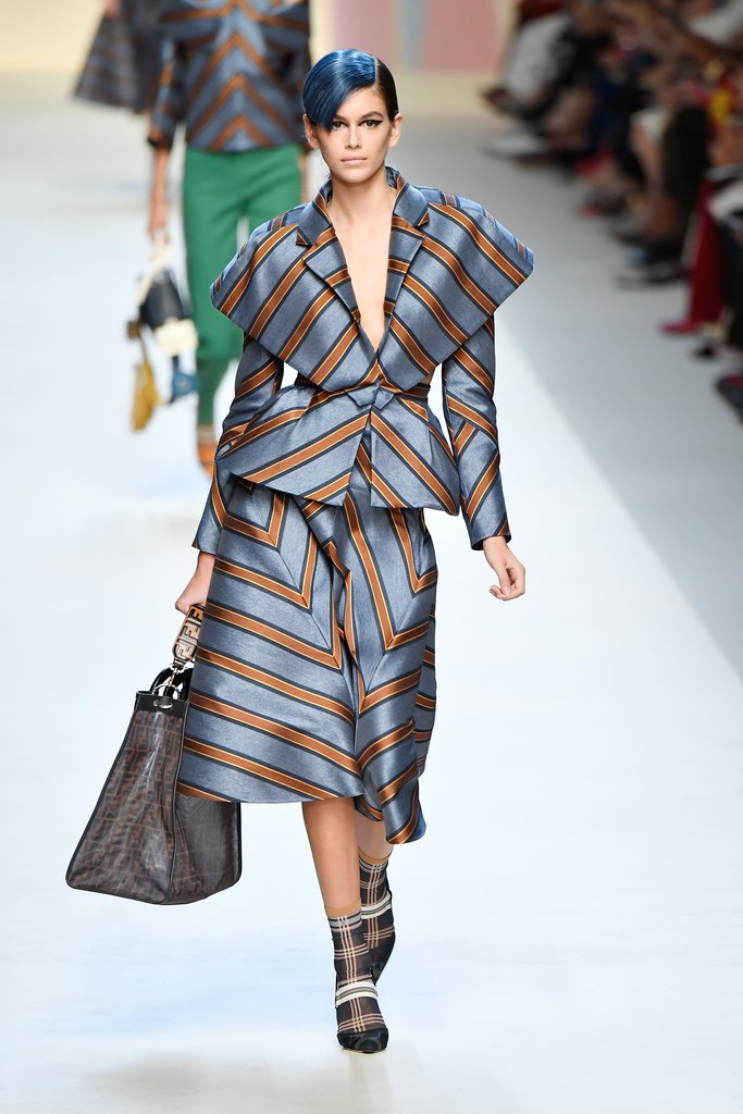 kaia-opened-fendi-show-striped-separates-milan-fashion-week