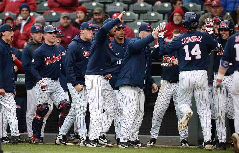 Weekend Wrap-Up: Rebels' 10-5 win in game three gives Ole Miss series over No. 8 Hogs