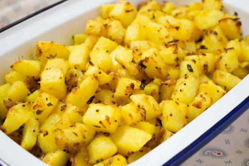 Bombay Potatoes - Mrs Khan Special - TheRecipe.Website
