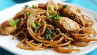 Sesame Chicken with Noodles - TheRecipe.Website
