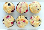Blueberry and White Chip Muffin - TheRecipe.Website