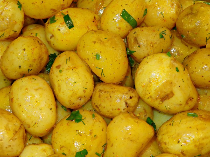 Boiled Potatoes with Herbs - TheRecipe.Website