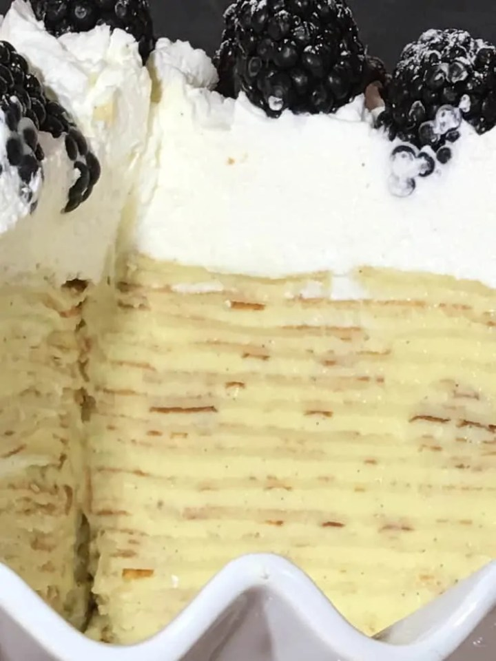 How to make a crepe cake with vanilla pastry cream