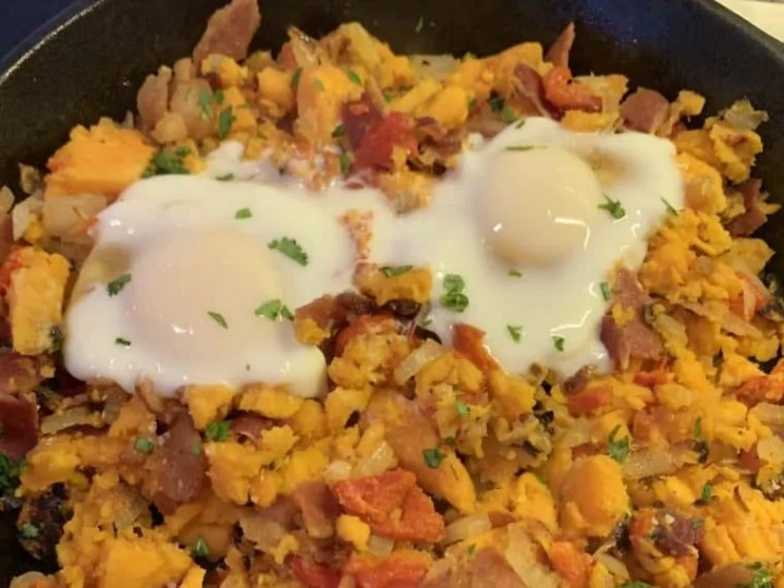 Sweet potato hash with bacon and eggsp