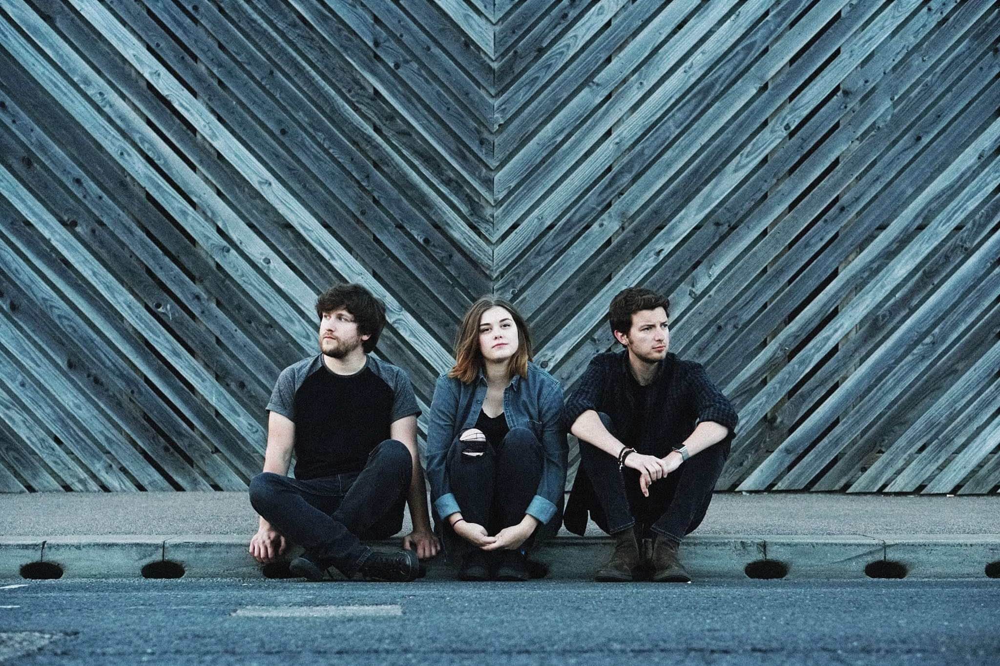 INTERVIEW WITH… INDIE ROCK TRIO IN EARNEST