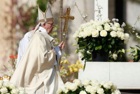 Pope Francis arrives to celebrate Easter Mass in St. Peter's Square at the Vatican March 27. (CNS photo/Paul Haring)