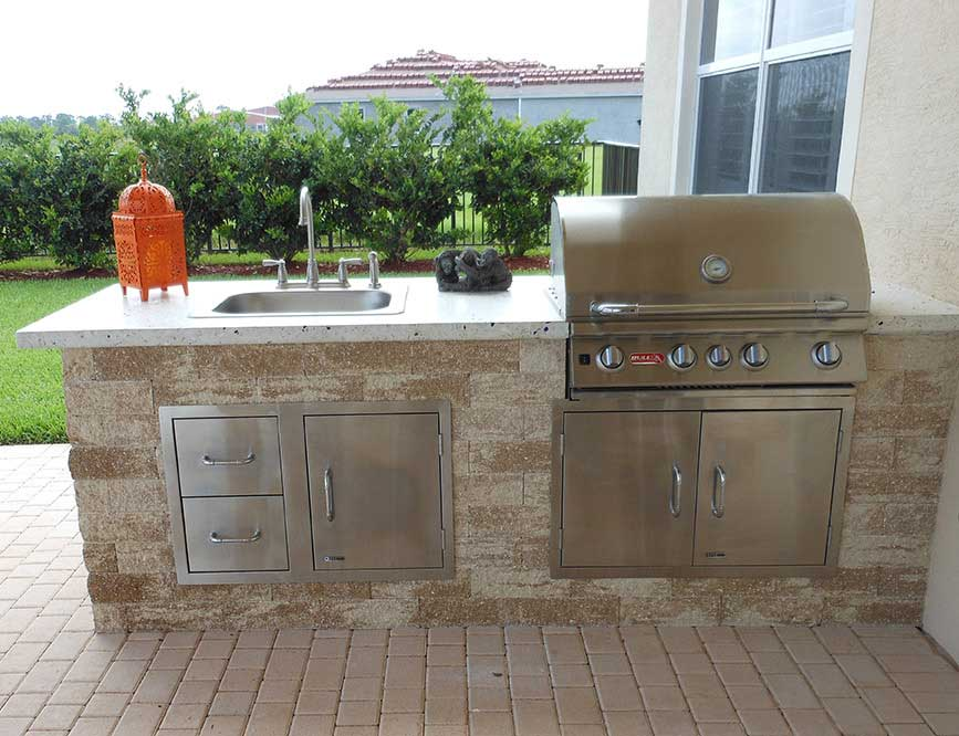 custom outdoor kitchens the