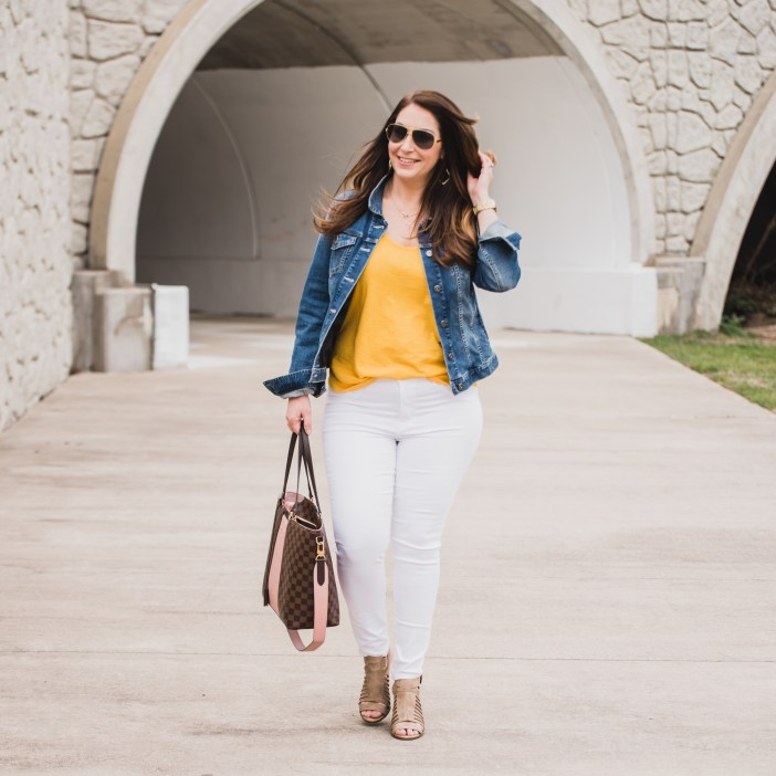 Looking for white jeggings when you are curvy? These are the best!