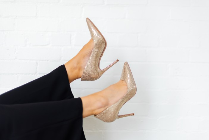 Micheal Kors glitter pumps  #widelegpant #widelegpantoutfit #ruffletop #pinktop  #holidaycasual #holidayoutfits #winter2019 #sequinheels #holiday2019outfit #glitterpumps