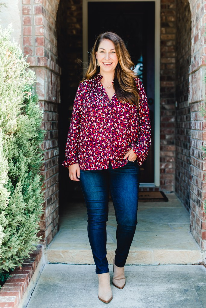 Fall blouse from Gibson Look #gibsonxfallrefresh #falloutfit #darkdenim #tanbooties #casualoutfit