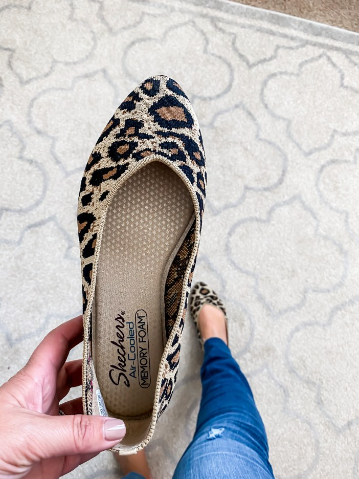 Sketchers leopard washable pointed toe flats