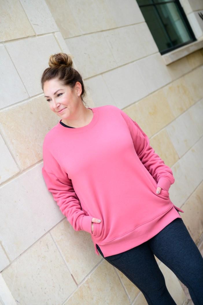 Women's Fleece Pullover #pinkpullover #fallathleisure #onthegolooks #pinkpullover #nordstromlooks #nordstrom #athleisure