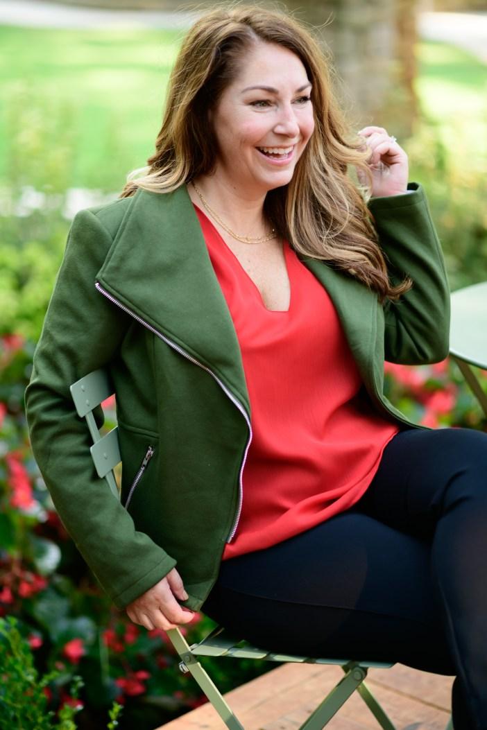 Fall Styles From Gibsonlook #therecruitermom #greenmotojacket #fallfashion #womensclothing #kendrascott