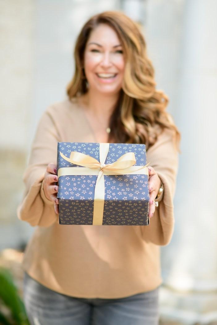 Nordstrom Beauty Gift Sets #beauty #nordstromgiftguide #giftguide2021 #giftsets #olaplex #lauramercier #BPbooties #keihls #buxom #dyson #benefitbeauty