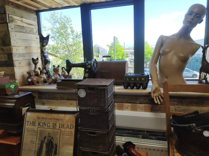 The recycle project shop window