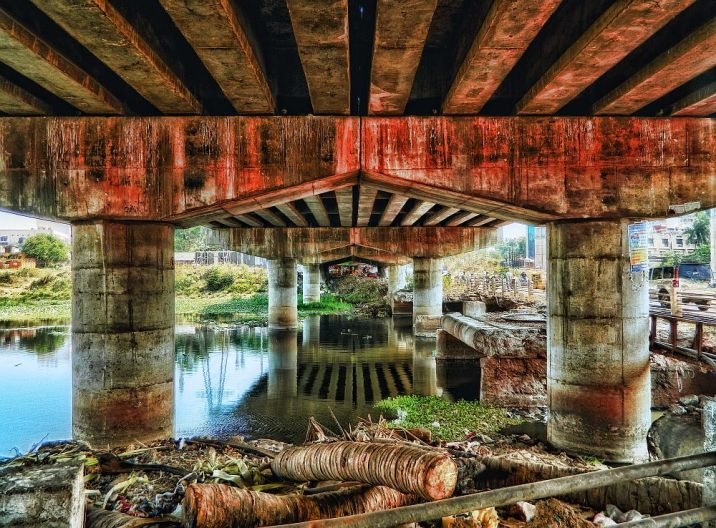 under the bridge, irfan, hussain, thereddotman, the red dot man., HDR, High dynamic range, Nikon L120, Nik HDR EFEX