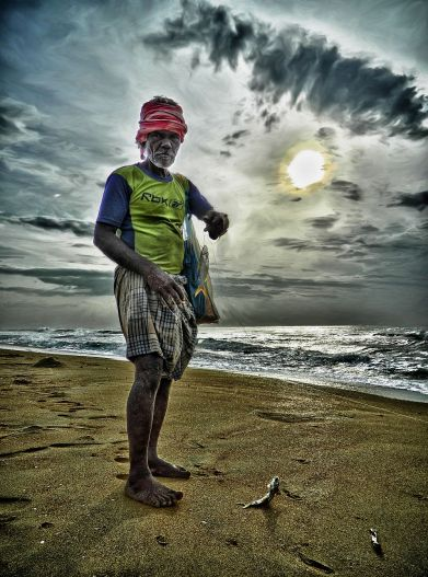fisher man, besant nagar, beach, irfan, hussain, thereddotman, the red dot man., HDR, High dynamic range, Nikon L120, Nik HDR EFEX