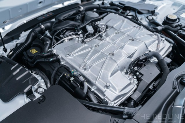 F-Type-SVR Coupe engine