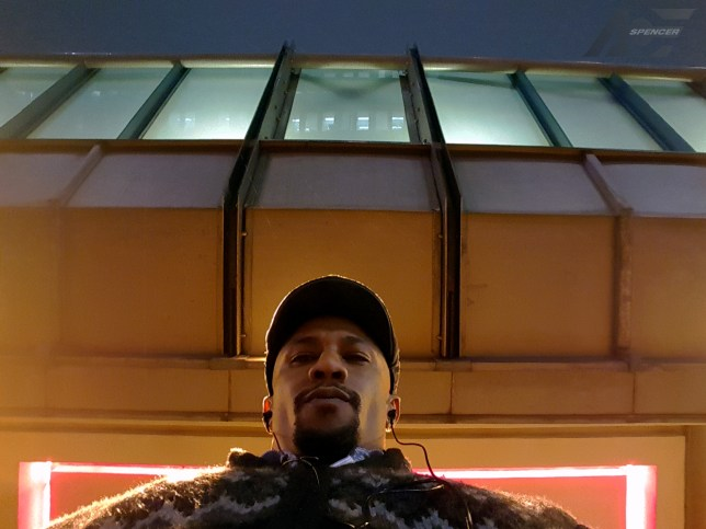 ace-spencer-selfie-mbta-haymarket-the-light-bus-stop-after-work-2016-picture-photography